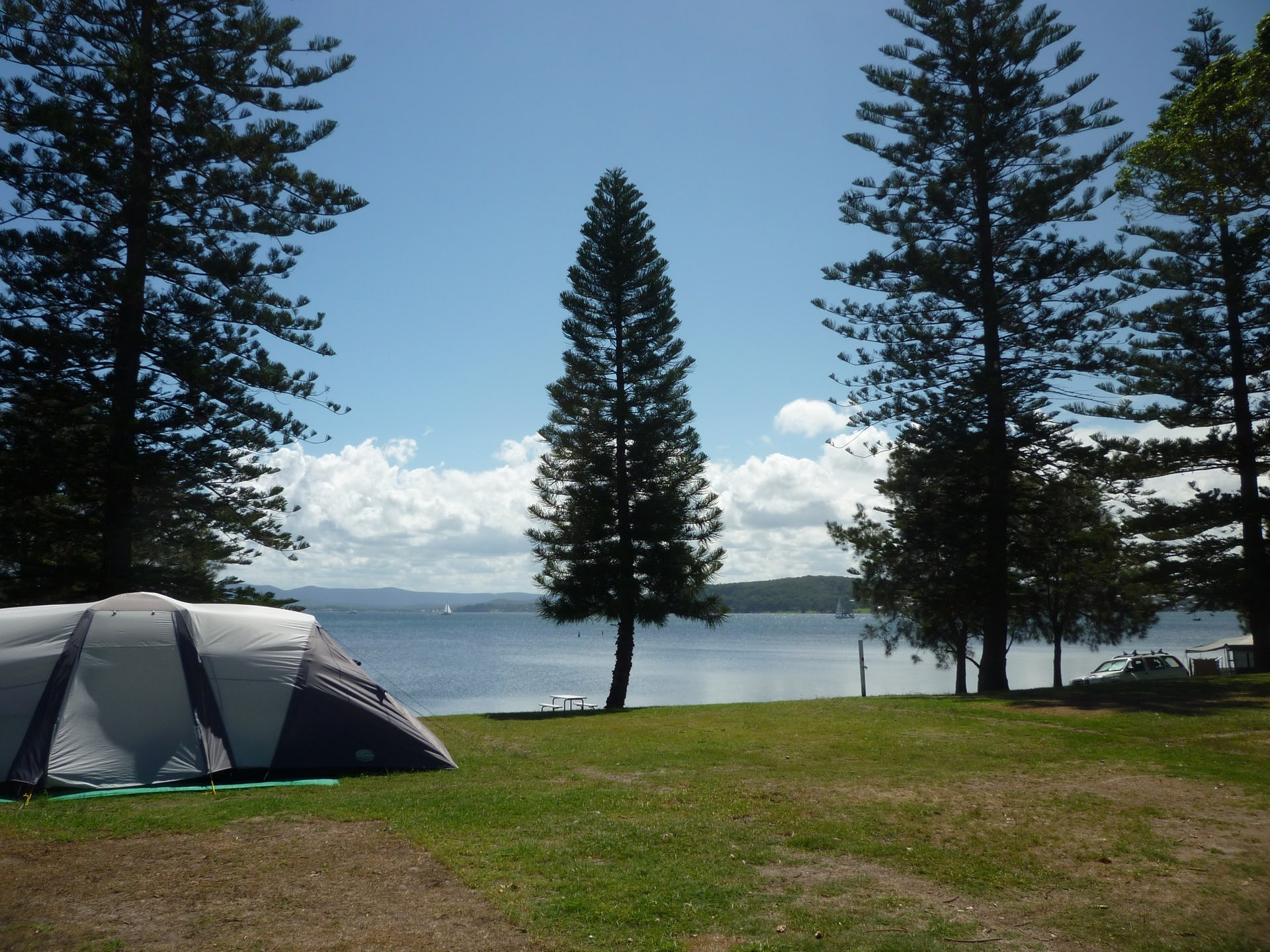 Belmont Pines Lakeside Caravan Park villas, cabins and camping sites at belmont - lake mac